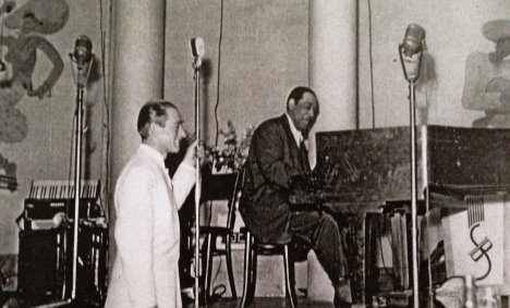 Bertel with the Duke on piano